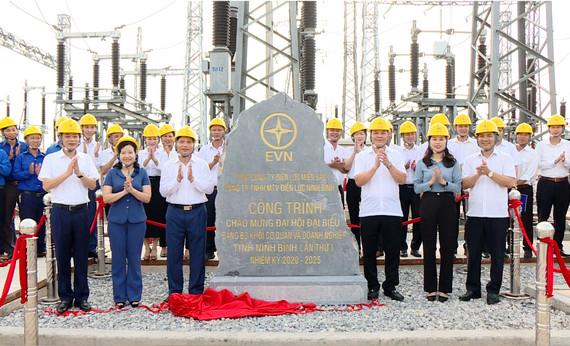 Energizing 110kV line Kim Son - Nghia Hung (Ninh Binh)