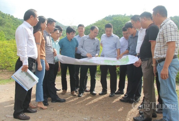 Nghe An province should create maximum conditions to implement power transmission projects imported from Laos